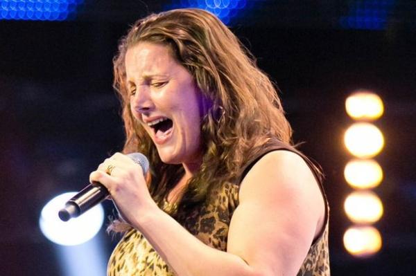 Sam Bailey - тюремный надзиратель в финальной стадии конкурса The X-Factor UK