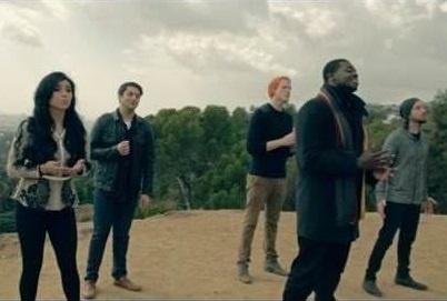 """Расширенная версия рождественского альбома PTXMAS и новое видео на песню """"Little Drummer Boy"""" от группы Pentatonix"""