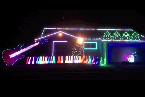 Рождественская светомузыка от учителя музыки из США