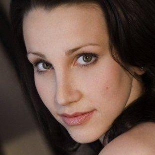 Natalie Weiss - талантливая певица и преподаватель вокала из США.