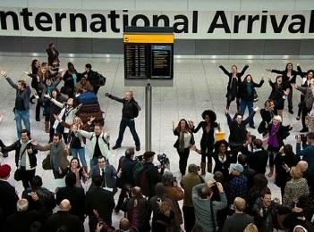 Флешмоб от компании The T-Mobile - «Welcome Back»